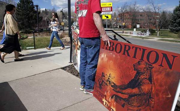 Anit-abortion protestor_131909