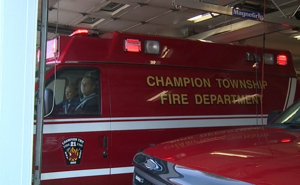 Champion paramedic delivers baby in ambulance_139030