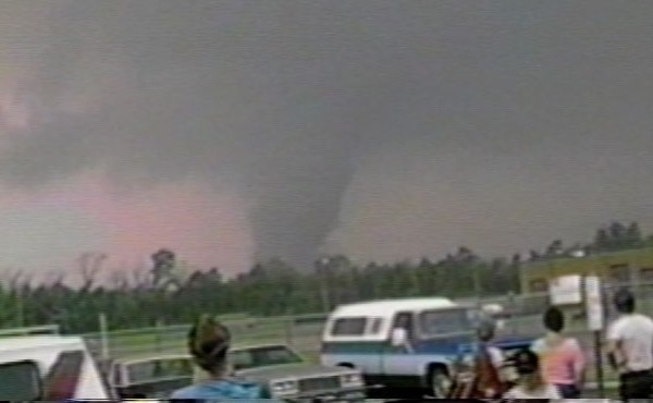 Tornado '85 footage from eye witness_142798