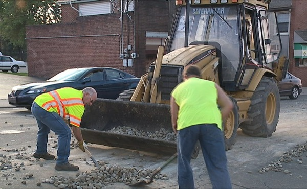 Truck spills rocks on road in Hubbard, Ohio_155076