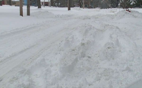 Youngstown snow-covered roads_205413