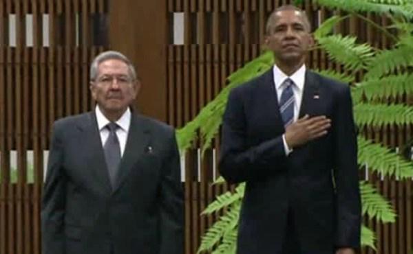Raul Castro and President Barack Obama in Cuba_213320