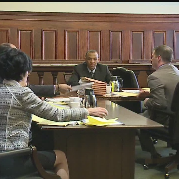 Jurors tour crime scene in Youngstown murder trial
