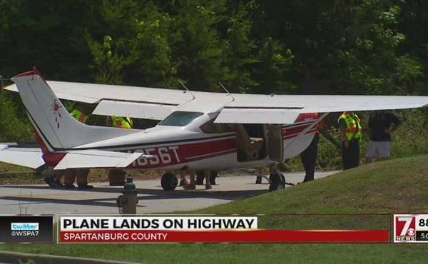 south-carolina-plane-lands-on-highway_229042