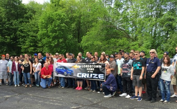 Chevy Cruze enthusiasts at Lordstown Complex_355736