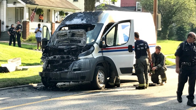 mail truck fire youngstown_388705