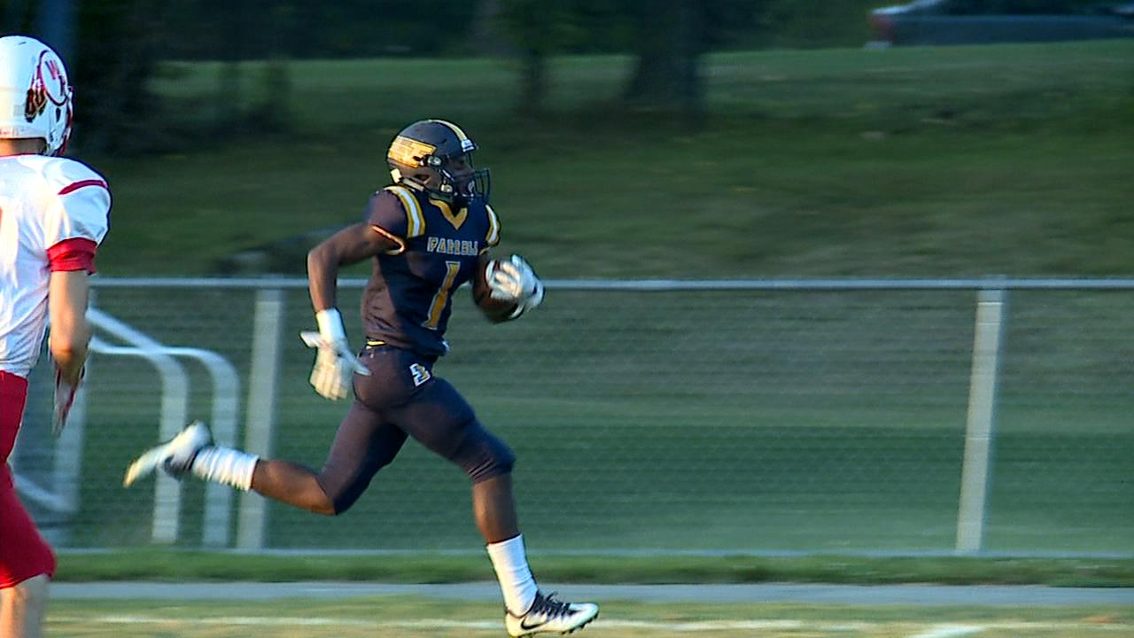 two long touchdown runs sparked Farrell and the Steelers never let up, rolling West Middlesex 58-0 on Friday.