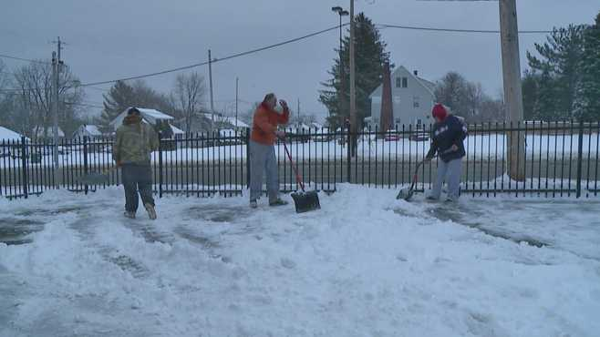 Local residents shoveling snow, Youngstown_503288