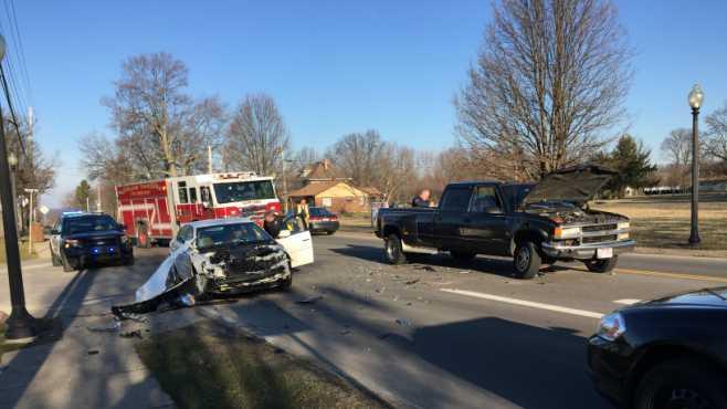 Howland crash East Market Street_529414