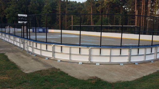 Pittsburgh Penguins in town to help build Mill Creek Dek