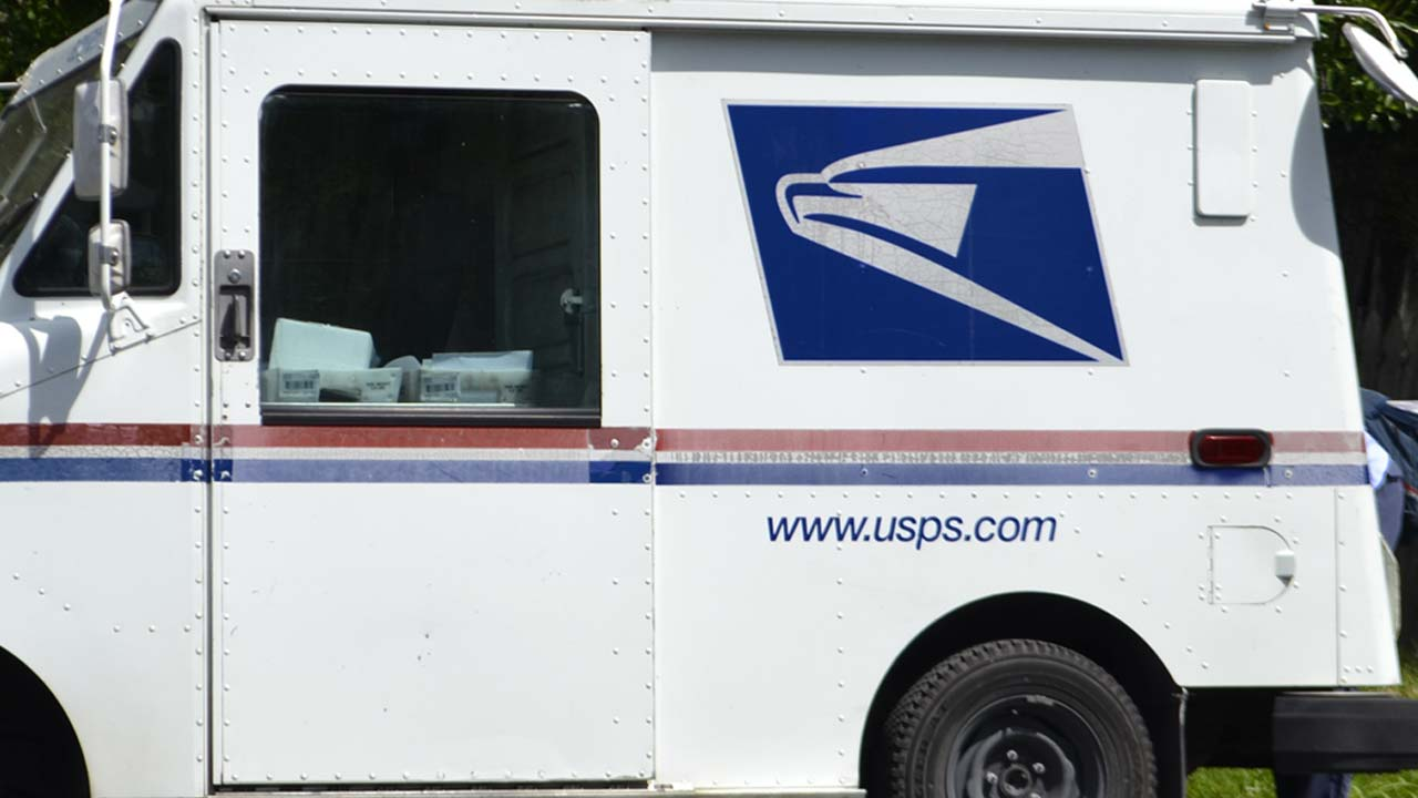 Generic mail truck – United States Postal Service