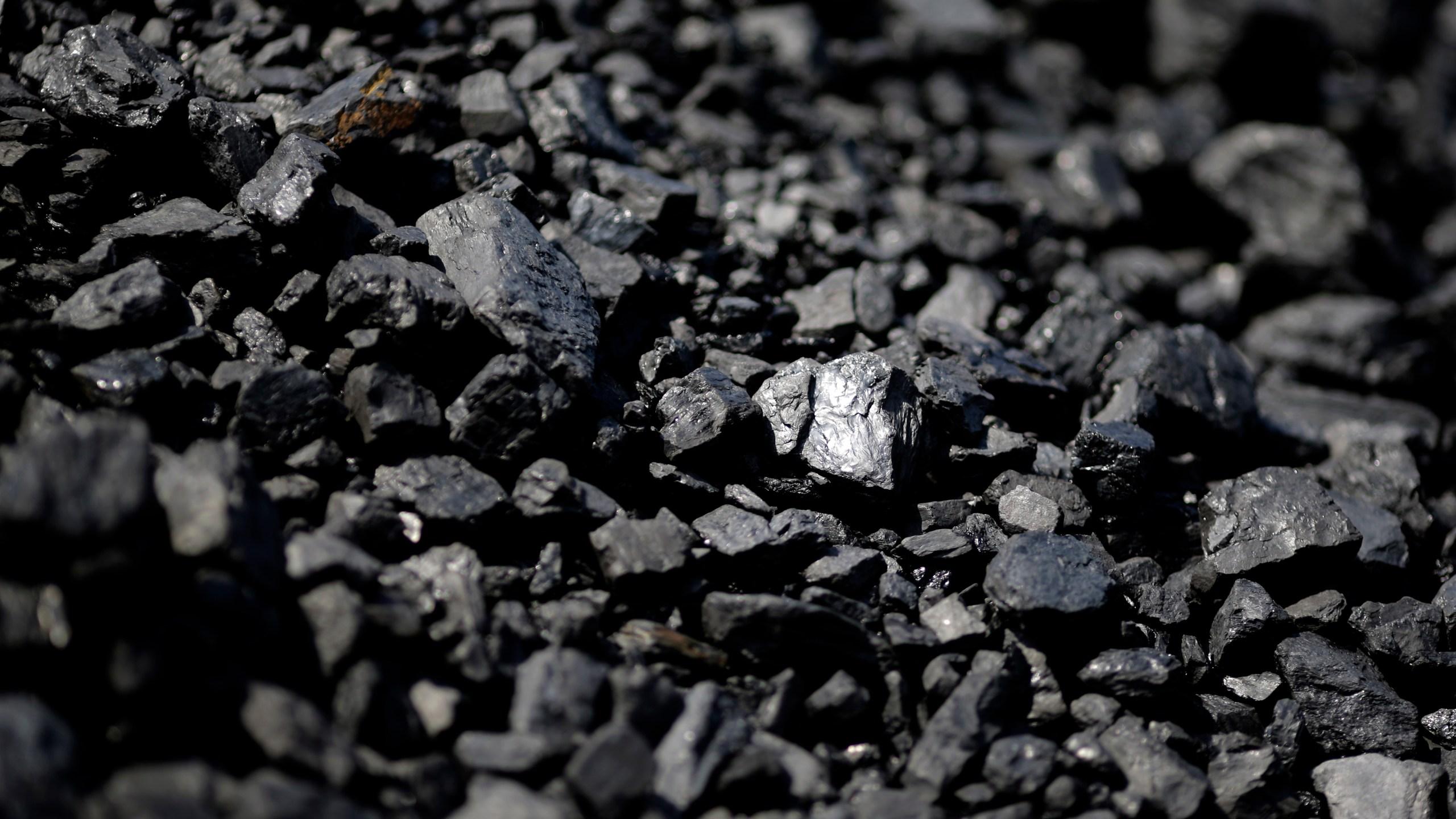 Coal_Exports_Military_Bases_76522-159532.jpg93192882