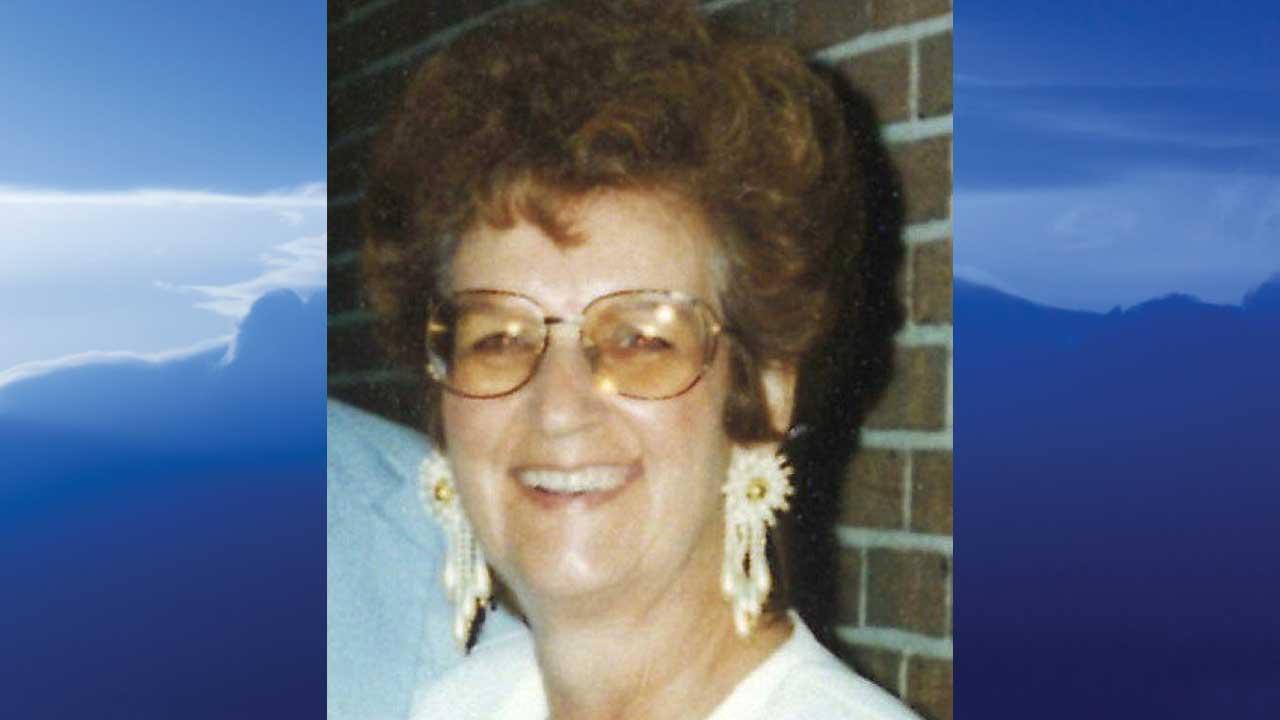 Nellie Vianna (Young) Houdyshell, Salem, Ohio – obit