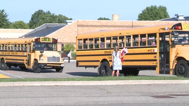 howland school buses_251382