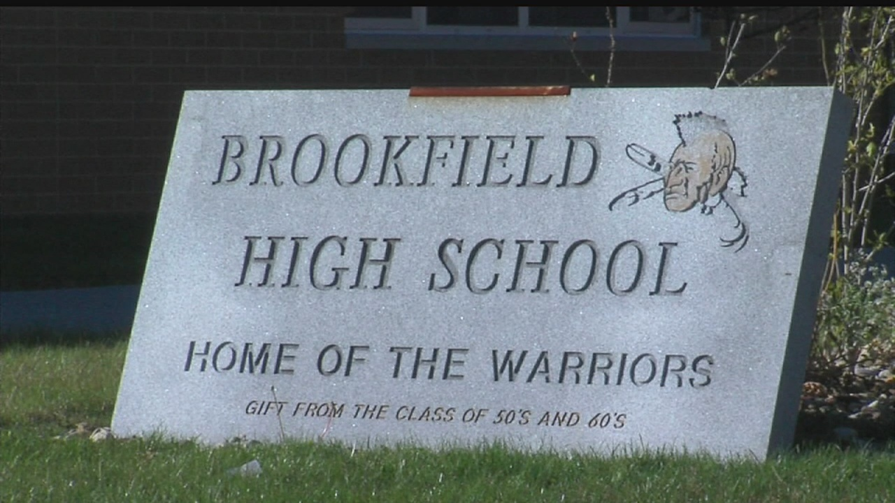 Brookfield_Schools_out_of_fiscal_emergen_0_20180414040125
