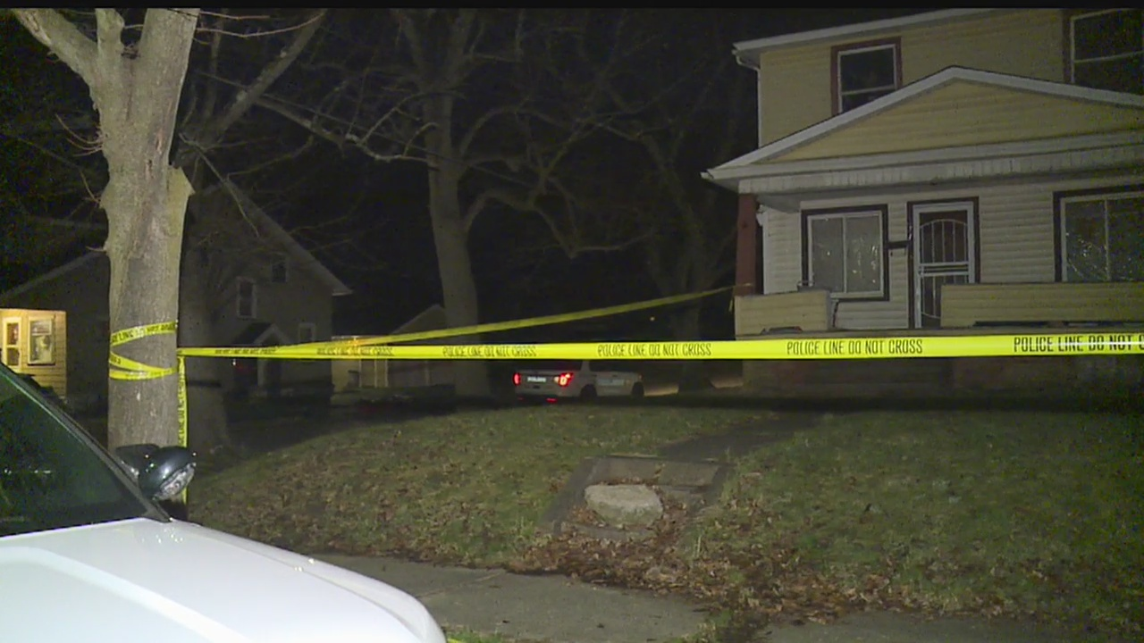 Youngstown police investigating man shot dead