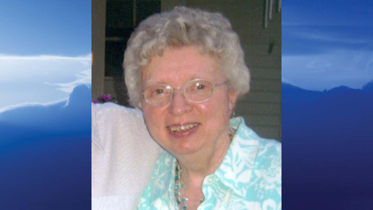 Anne Marie (Phillips) Radanovic, Hubbard, Ohio - obit