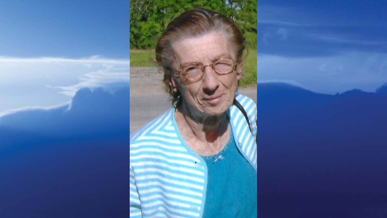 Elaine Kay Hoops Carpenter, Alliance, Ohio - obit
