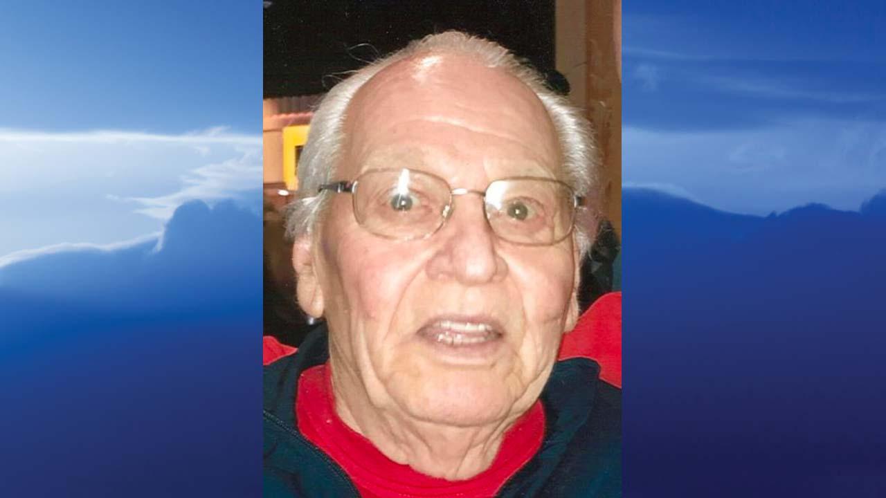 Steve J. Uhrin, Campbell, Ohio - obit
