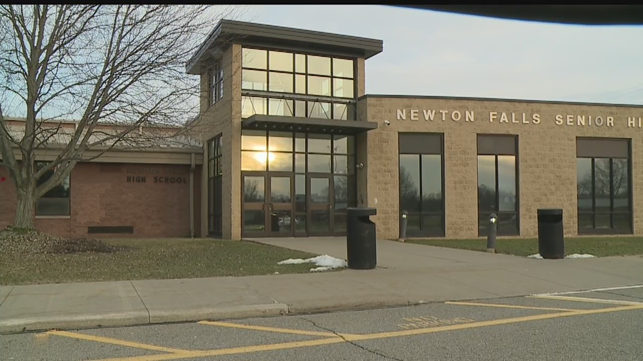 Newton_Falls_school_board_postpones_deci_0_20190225175918