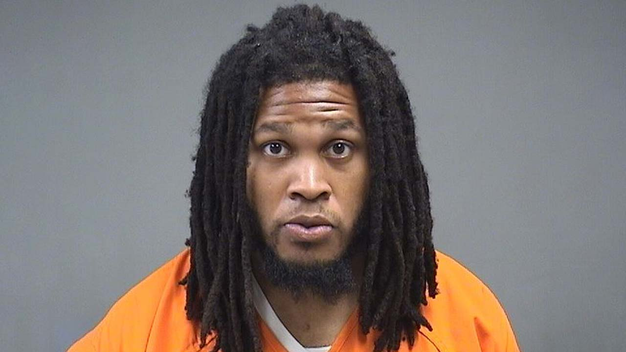 Lamont Ragland, charged with gross sexual imposition at Youngstown State University, YSU