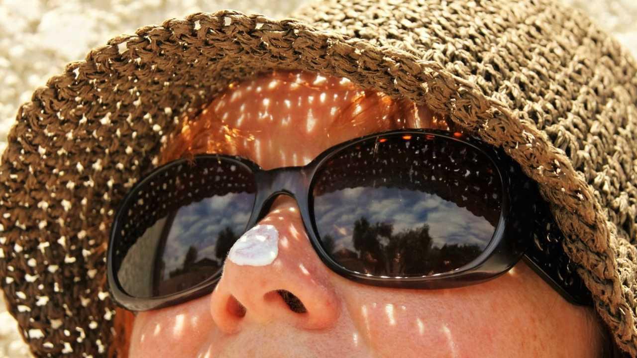 Sunscreen, beach, sun, tan generic