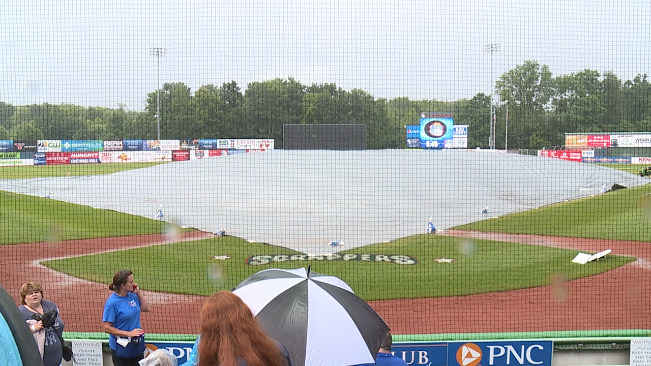 rain dampens series opener between scrappers and crosscutters