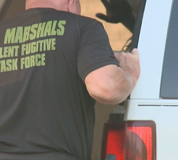 U.S. marshals and DEA converge on house in Warren, Ohio