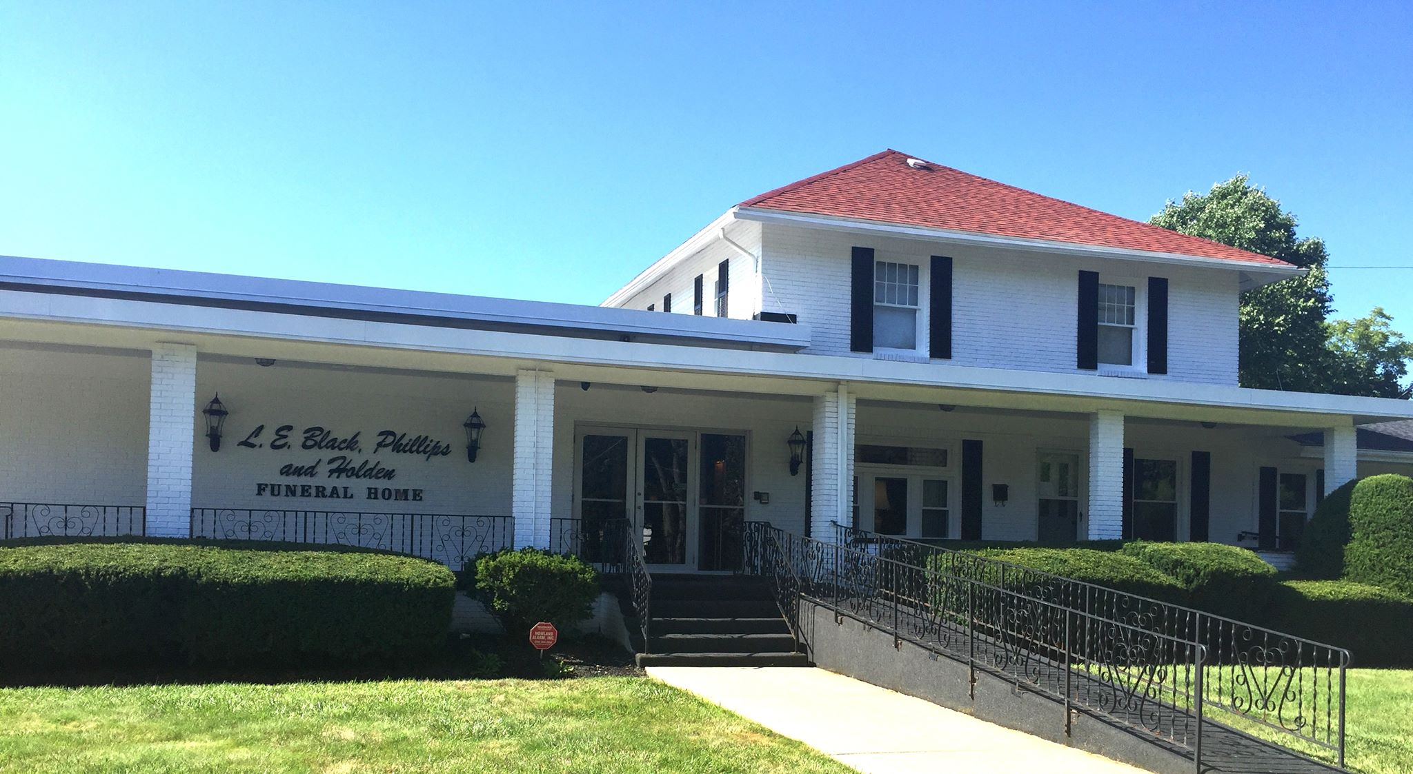 L.E. Black & Holden Funeral Home