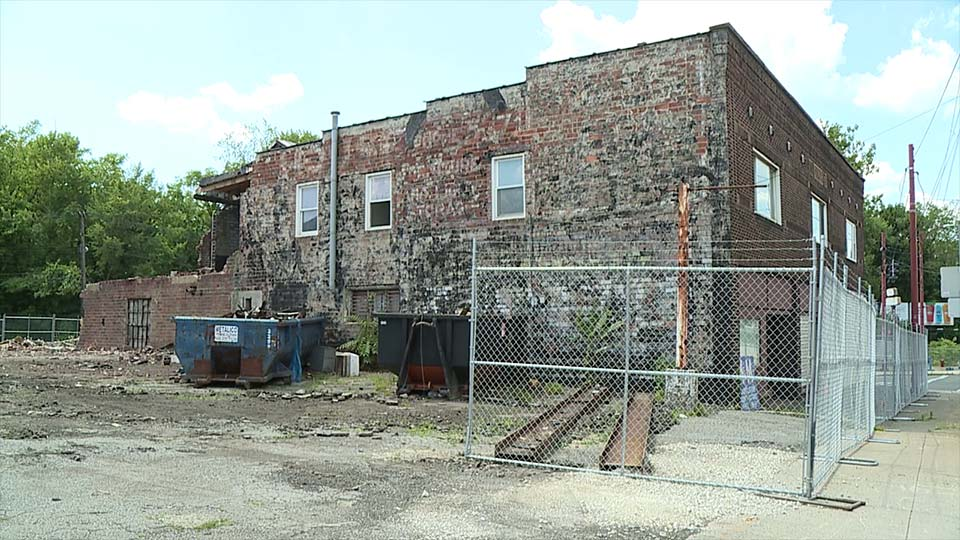 Three buildings to be demolished at Mahoning Avenue SE and Robbins Avenue in Niles, Ohio.