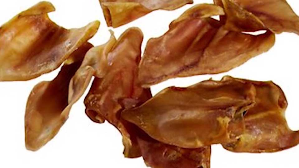The Centers for Disease Control and Prevention and the Food and Drug Administration are telling dog owners not to give their dogs pig ears.