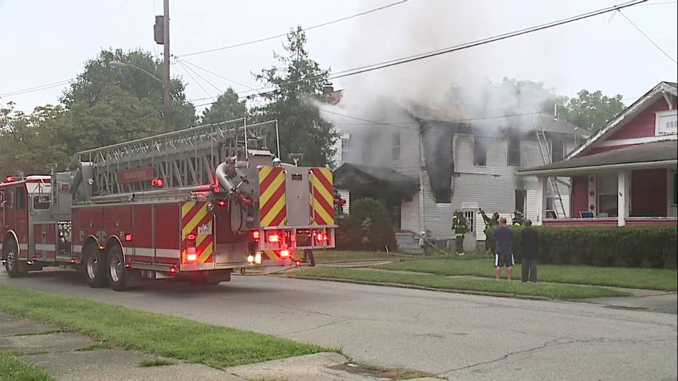 Crews are battling a fire on Taft Ave. in Youngstown, Ohio