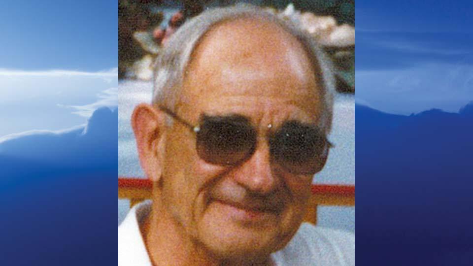 Willard W. Mathews, Cortland, Ohio - obit