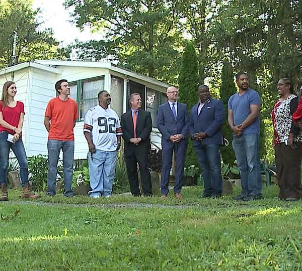 Nearly two dozen residents in Youngstown are getting help this summer remodeling their homes, thanks to a new federal grant.