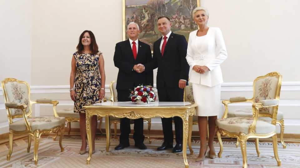 Mike Pence and Andrzej Duda with wives
