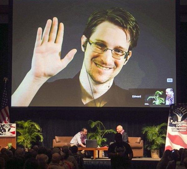 Snowden seeks asylum in France