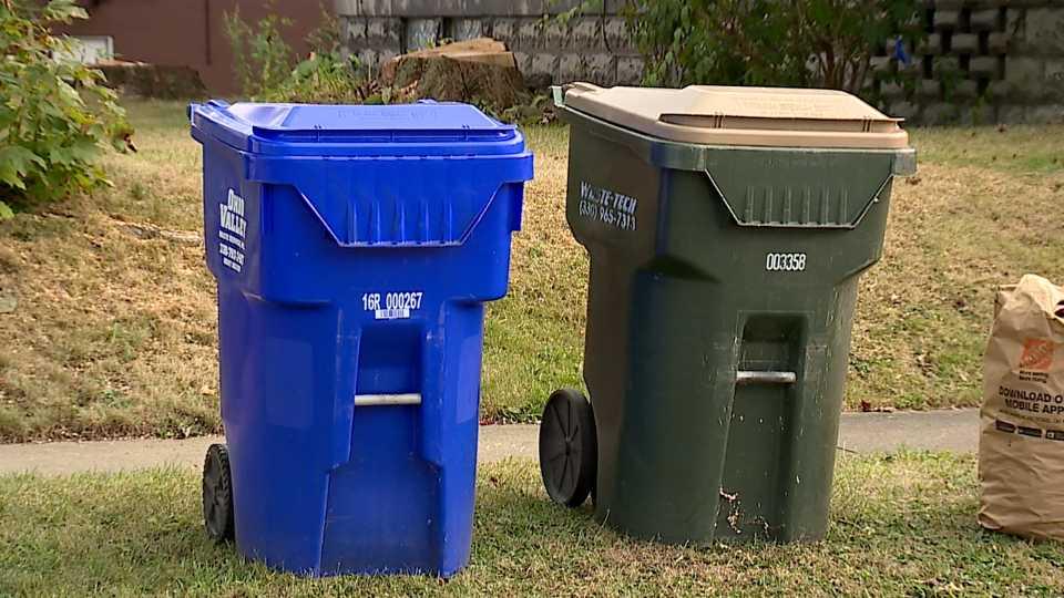 Trash cans in Salem