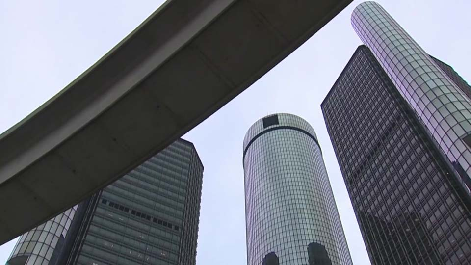 UAW and GM meeting Sunday for expired contract