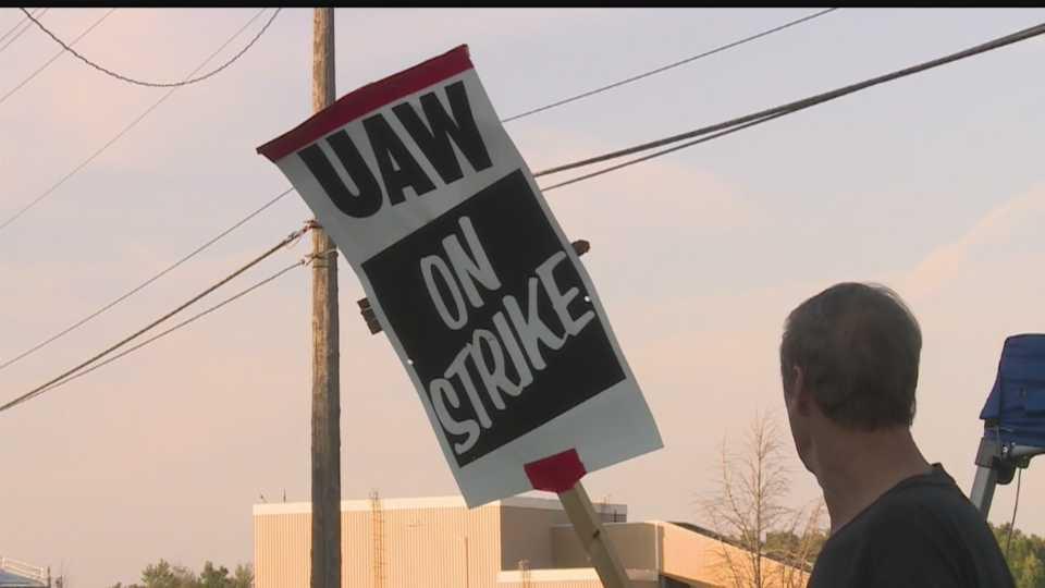 UAW on strike in Lordstown