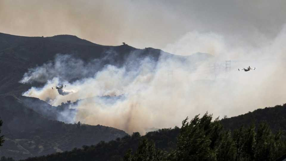 Saddleridge fire in Placerita Canyon