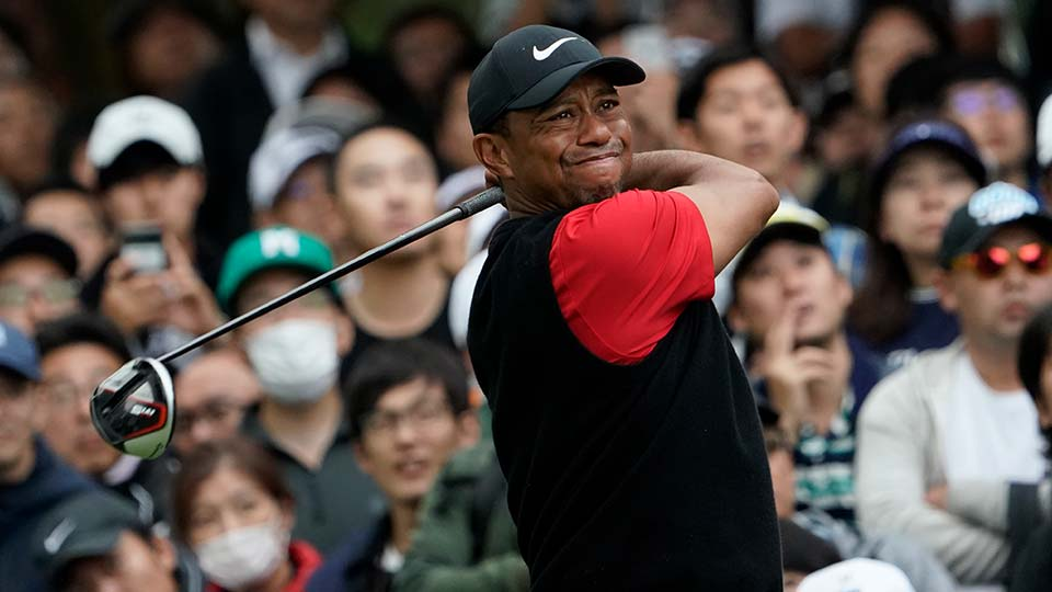 Tiger Woods of the United States watches his tee shot on the 6th hole during the final round of the Zozo Championship PGA Tour.