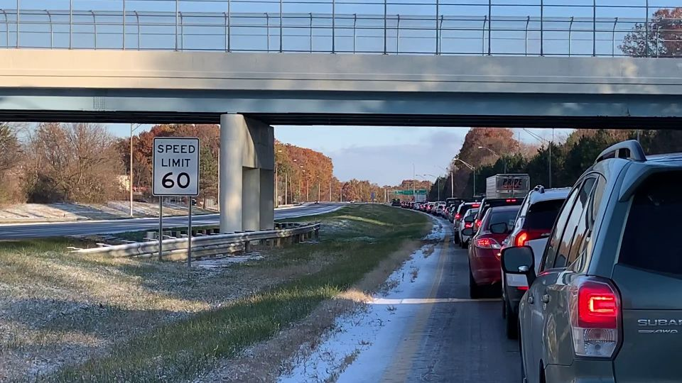 I-680 traffic backup in Youngstown due to crashes.