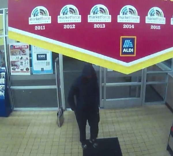 Aldi grocery store in Howland off Route 46 robbery
