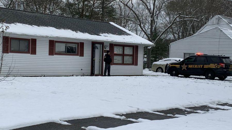 Police raid two house in Warren