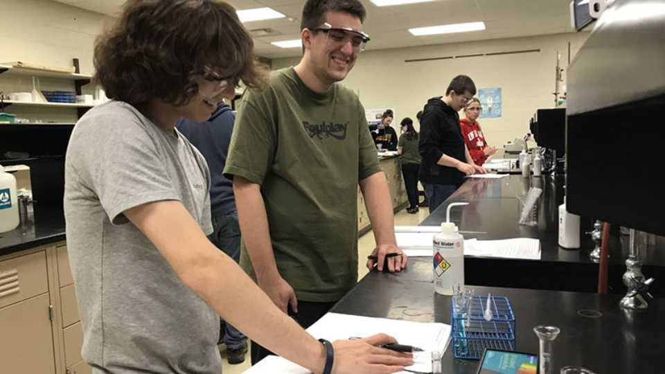 Experimental Chemistry students learn to use new Bluetooth spectrometers in the chemistry lab. This new equipment will be used in the chemistry EDGE project.