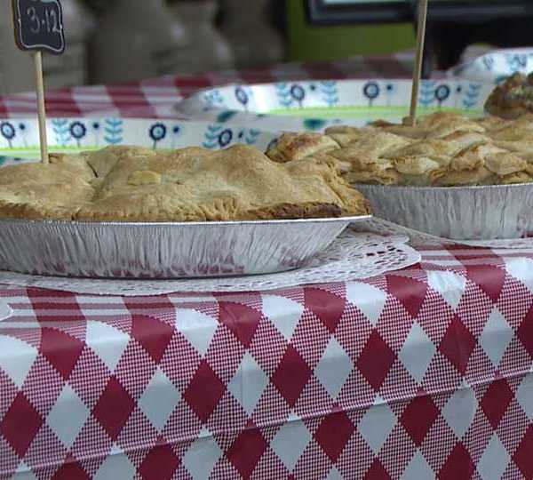 The Rescue Mission hosts first apple pie baking contest