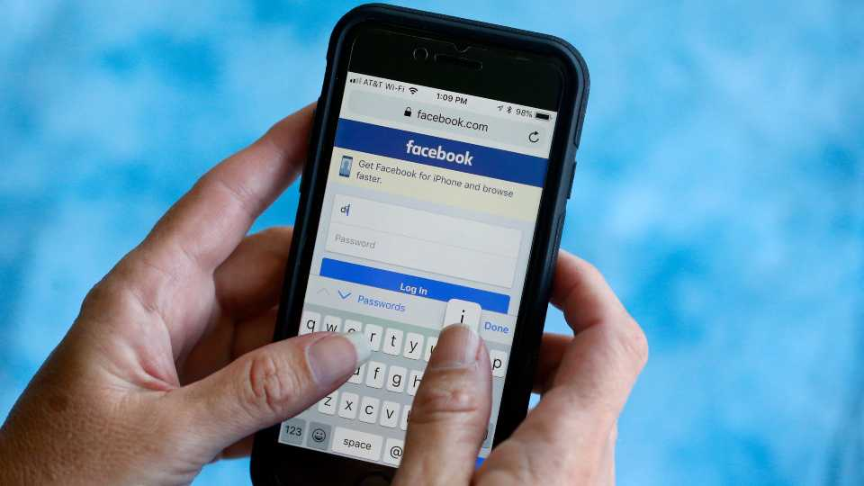 Facebook fights spread of misinformation about virus online