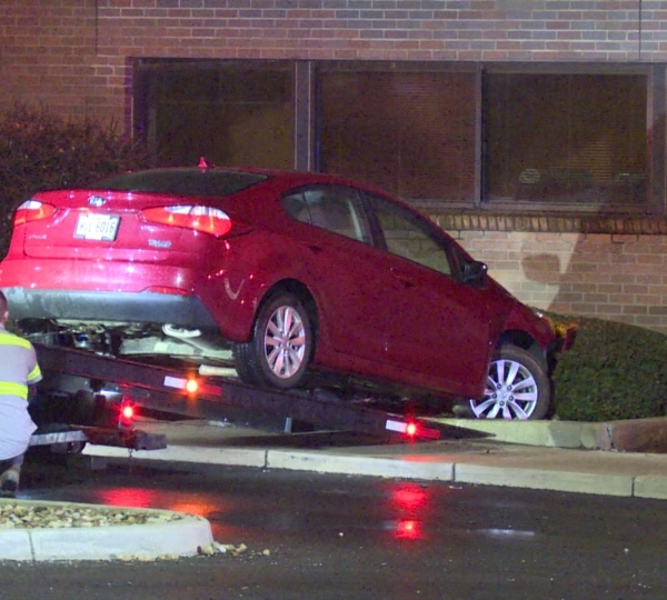 Car into bush on Larchmont Avenue in Warren