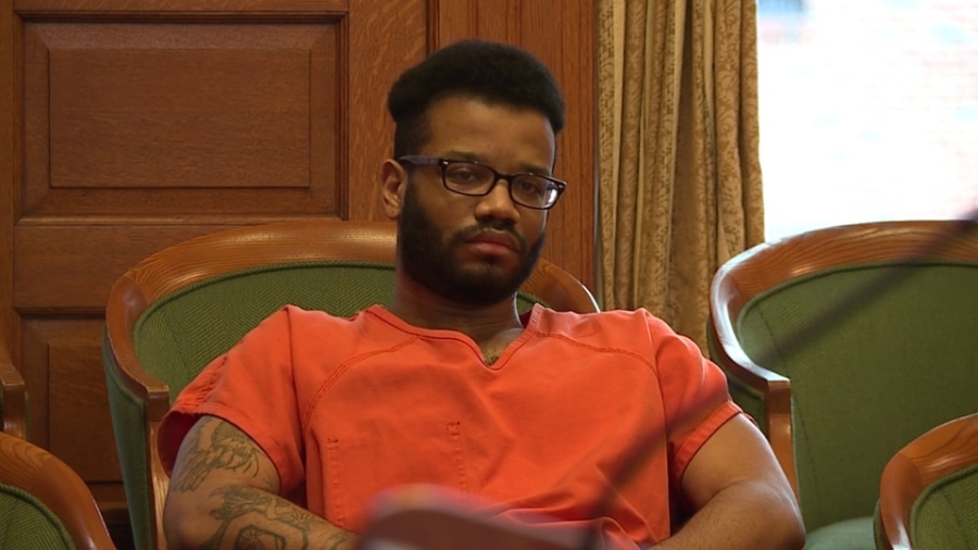 Dabraylin Hawkins, of Youngstown, charged with attempted robbery of Liberty bank
