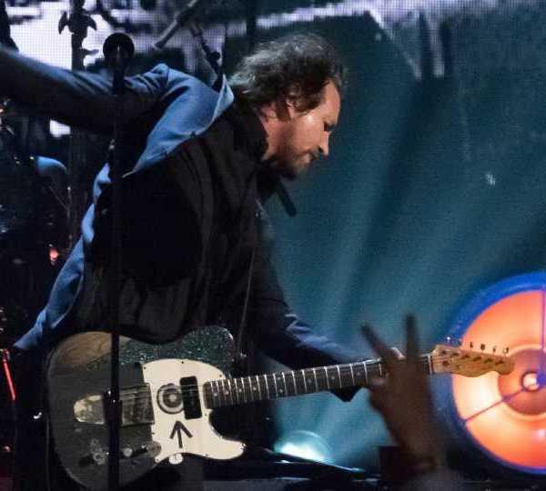 Pearl Jam performance
